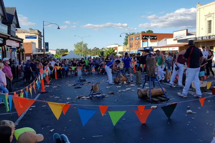 Daylesford Main Street New Years Eve Woodchopping