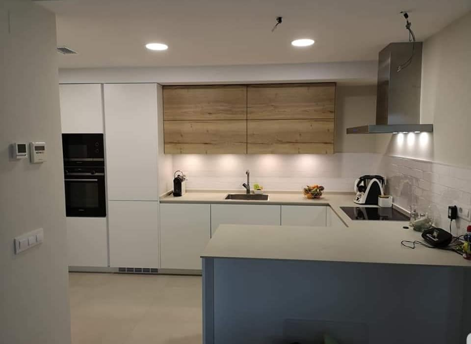 Cocinas modernas de NEOLITH Colores 2019  ENCIMERAS SEVILLA