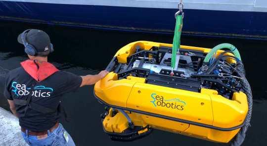 an image of the searobotics HullBug