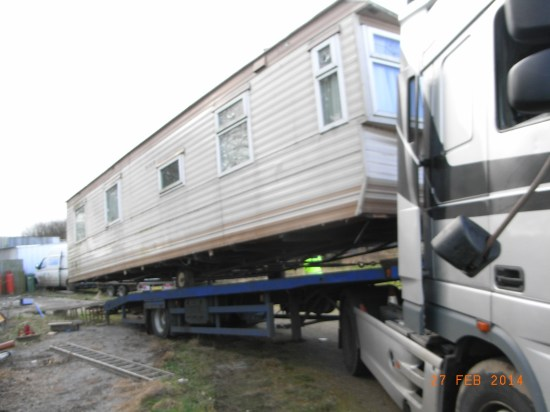 Removing caravan Elmsthorpe