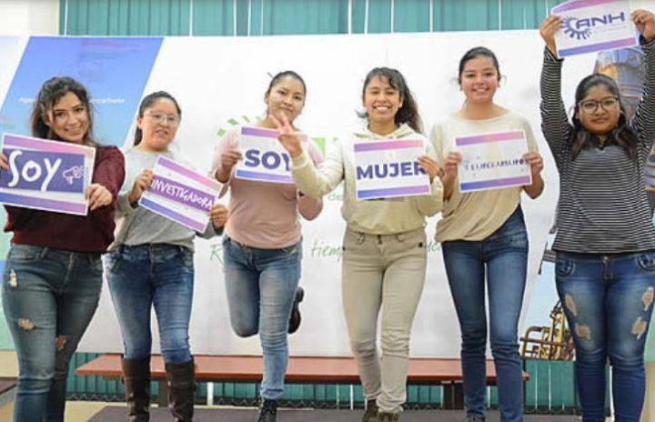 """ANH: El 61% de postulantes seleccionados para el programa """"Eurekarburos"""" son mujeres investigadoras"""
