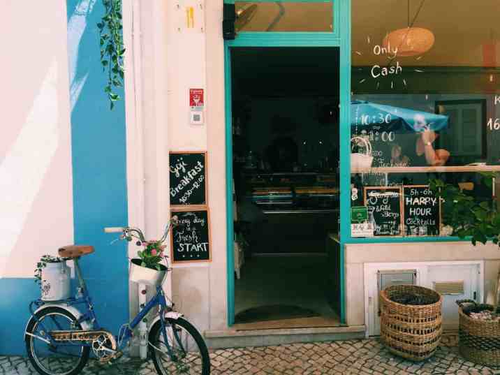 Your guide to gluten free Lagos Portugal, including gluten free restaurants, cafes, Portugeuse food, the best hotel for gluten free travelers, and more. #glutenfree #glutenfreetravel #glutenfreelagos #lagosportugal #portugal