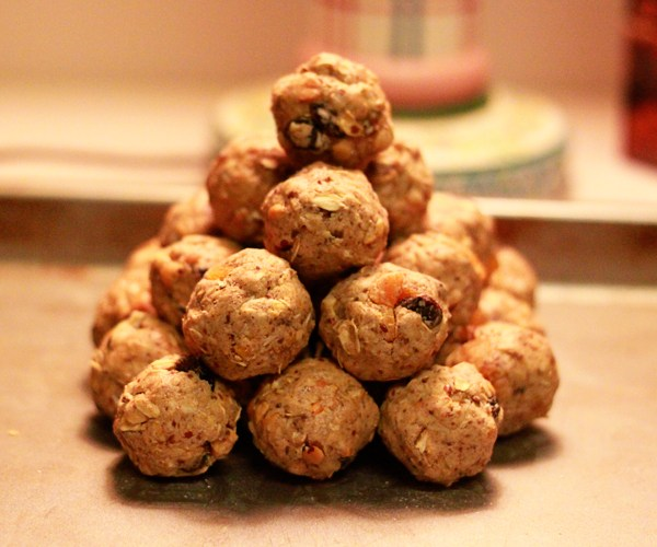 Foodie Friday! How to Make Power Balls!
