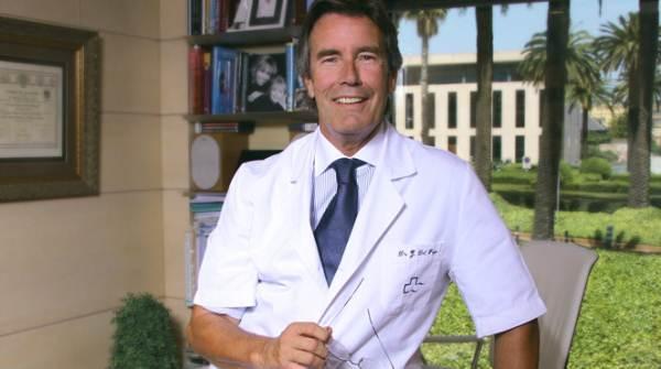 Dr. Javier del Pozo en la Cínica Teknon de Barcelona