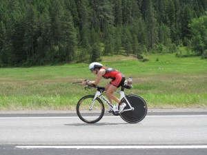 Jen Datwyler rides bike at Ironman® Coeur d'Alene 2013 - Team Endurance Nation