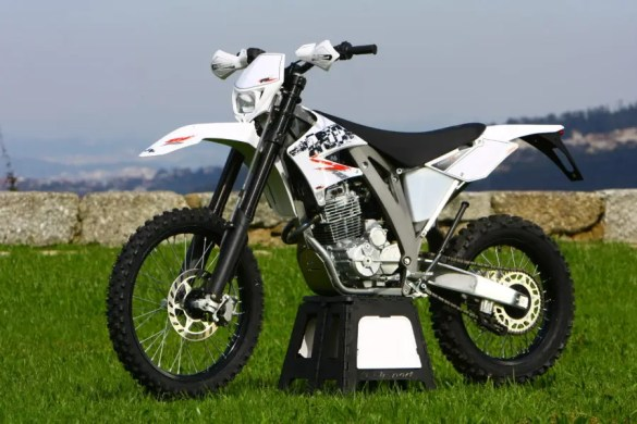 AJP 250 PR5 2010