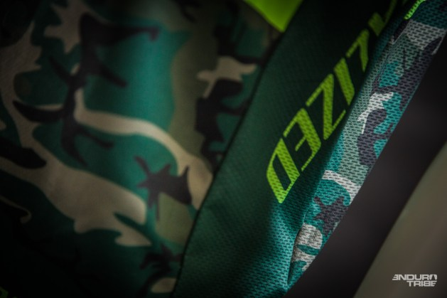 Et motifs osés, au programme de la gamme textile Specialized 2017.