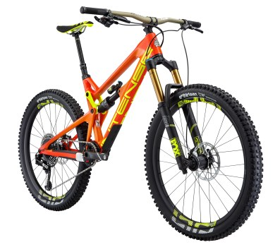 Intense Tracer Elite - Cadre SL - 12,73kg - 8 198€ - Suspensions Fox Float Factory (avant) et performance (arrière), roues E-Thirteen carbones, transmission Sram Eagle XO1, freins Sram Guide RS, poste de pilotage Intense/Renthal aluminium.