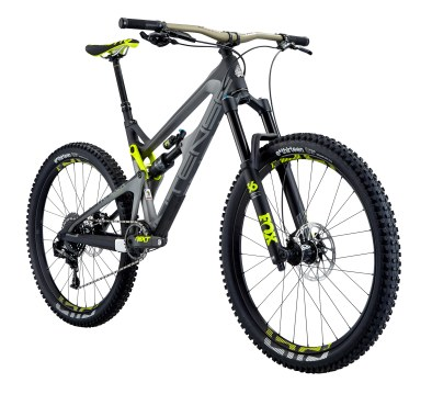Intense Tracer Pro - Cadre SL - 12,75kg - 7 698€ - Suspensions Fox Float Performance, roues E-Thirteen aluminium, transmission Sram X01 11v, freins Sram Guide RS, poste de pilotage Intense/Renthal aluminium.