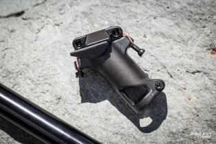 Outre le chariot d'origine, BMC propose au détail un modèle plus long, offrant un ajustement de la hauteur de selle sur 65mm au lieu de 35mm. Il existe pour faciliter les situation de revente du vélo et d'essai / prêt des vélos.