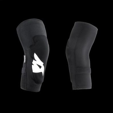 Des efforts intéressants sont fait sur ces modèles pour positionner les manchons relativement haut sur les cuisses et bras.