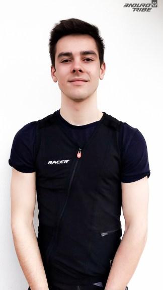 Aux côtés des expérimentés, place aux jeunes. Erwann Bibollet, vainqueur de la Coupe de France Enduro chez les Junior en 2018, et 9 au Scratch, risque fort de titiller ses aînés en 2019. D'autant qu'il profite des aménagements de l'IUT d'Annecy, où il étudie, pour continuer à progresser.
