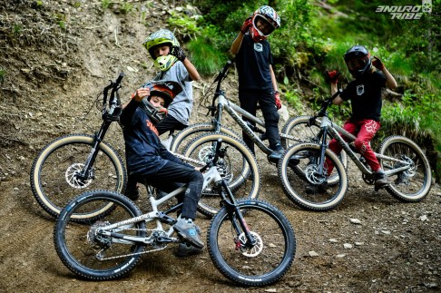 commencal clash kids vtt enfant 20 24 275 actions-10