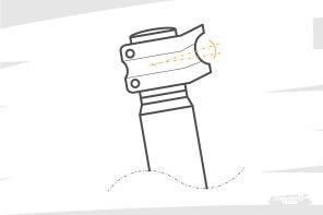 Attention, certaines potences sont conçues avec une angulation autre que 0° > ça signifie que le cintre est placé quelques degrés plus haut que le milieu du contact avec le pivot de fourche. Ça permet à ceux qui ne peuvent pas rajouter d'entretoise sous la potence, d'augmenter quand même le stack perçu...