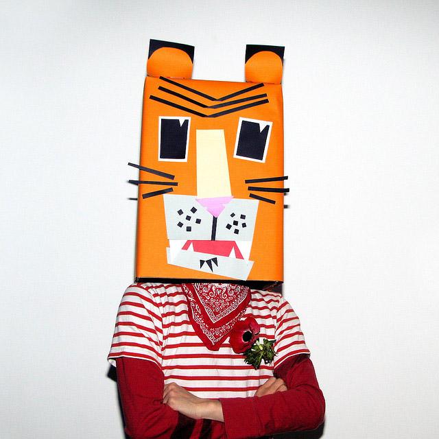 Tiger Karton-Kostüm-Idee