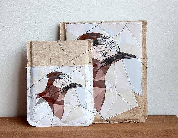 Tablet Hülle mit Vogelmotiv aus Baumwolle – braun
