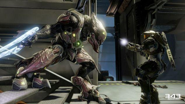 A história de Halo é a de um gajo numa armadura super-poderosa a matar criaturas alienígenas com uma selecção variada de armas. Ao menos no que me diz respeito.