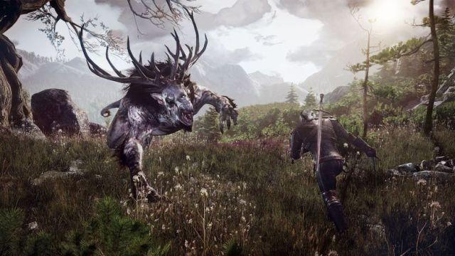 Embora a narrativa central raramente o exija, caçar monstros é uma das coisas mas excitantes do jogo - e ao mesmo tempo, onde mais se nota que há mecânicas a melhorar.