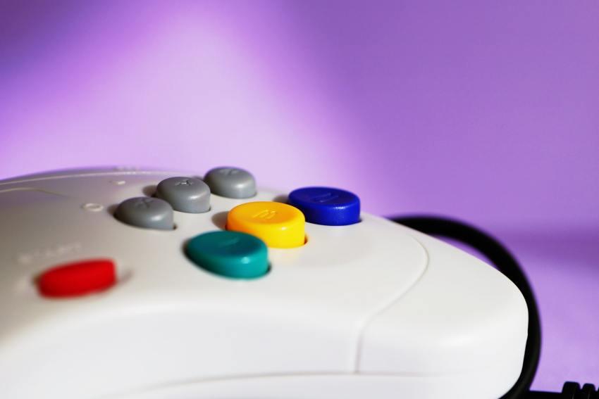 Um comando de Sega Saturn