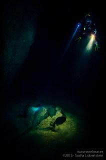 20130216 1648 - enelmar.es - El Tunel de Garachico, Juan, Moises-2