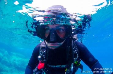 20150625-1111-SachaLobenstein-enelmar.es-Carlos Acebes, Playa Chica < Puerto del Carmen