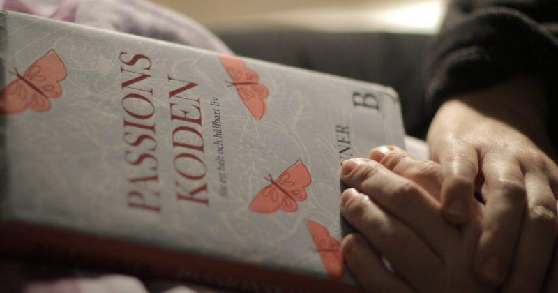 bild på bokomslag Passionskoden. Inlägg om att bromsa vid stress