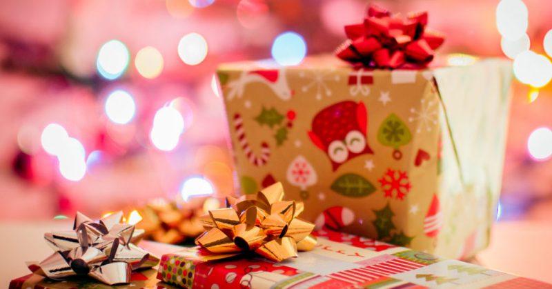 bild på presenter. Under det shoppingfria året är det ok att köpa presenter åt andra. Om att leva enklare