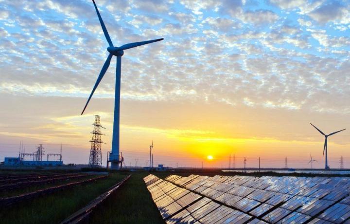 Rinnovabili: si fermano gli investimenti