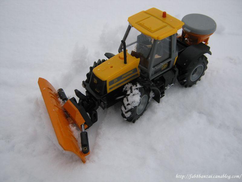 tracteur pour deneigement