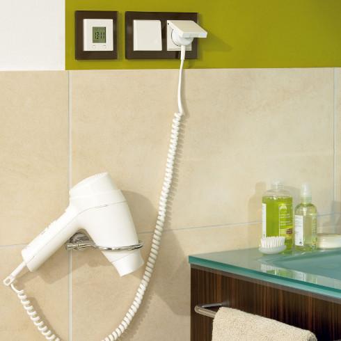Bei Badsanierung auch an Elektroinstallation denken