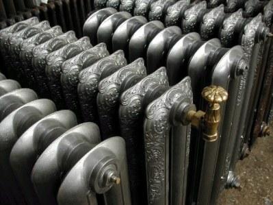 Radiateur en fonte  On peut ajouter dessus un robinet éligible à la BAR-TH-117