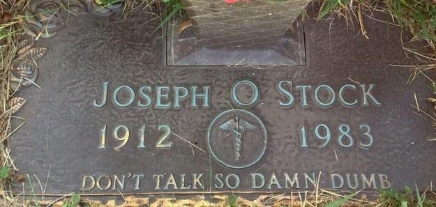 20 - Co si necháte vytesat na náhrobek Vy?