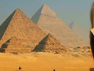 0546a296ffab7caf728440e2429cd86c - Kacířský faraon Achnaton: byl mimozemšťan?