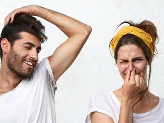 Co způsobuje nepříjemný tělesný zápach