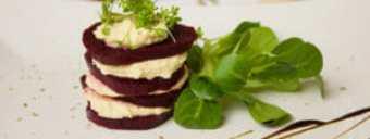 hummus a %C5%99epa 300x113 - Hummus je výživný, zkuste náš recept