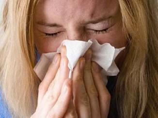 Chřipka. I po odeznění příznaků neznamená, že už jsme zcela zdraví.