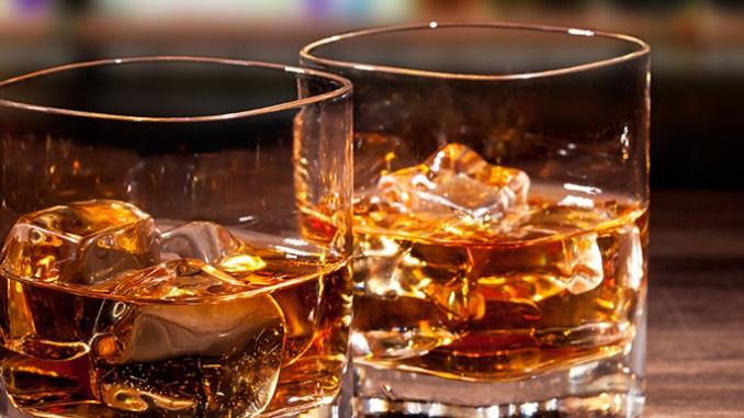Tvrdý alkohol škodí zdraví více než kvašené nápoje.