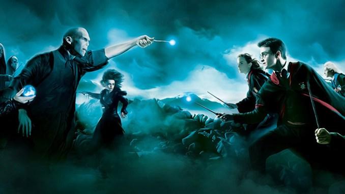 Harry Potter a Voldemort stále spolu bojují.