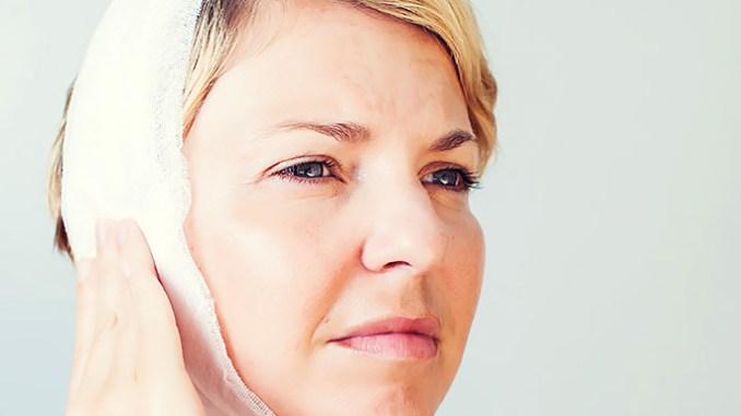 Zánět středního ucha může zhoršit sluch.