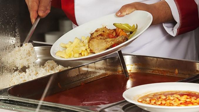 Školní jídelny vaří šlichtu. Je to pravda?