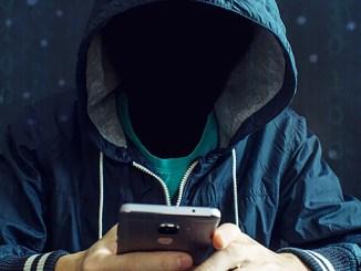 Sledování mobilu se dá zjistit tajným kódem.