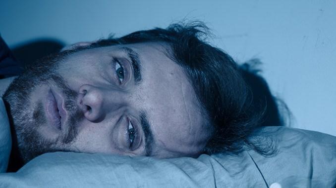 Nedostatek spánku vážně poškozuje tělo.