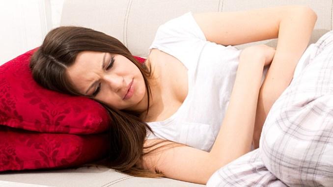Menstruační bolesti se dají zmírnit přírodně.