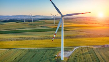 Worker injured after GE wind turbine collapses - Energy Live