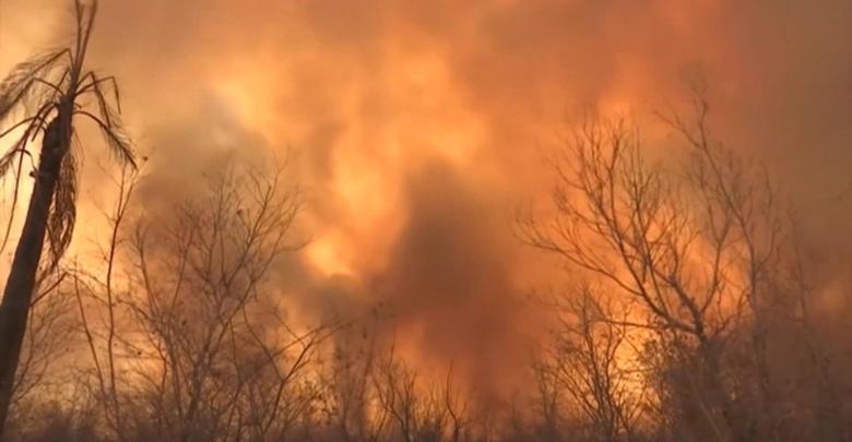 Photo of Expertos sugieren uso de maquinaria pesada para apagar los incendios