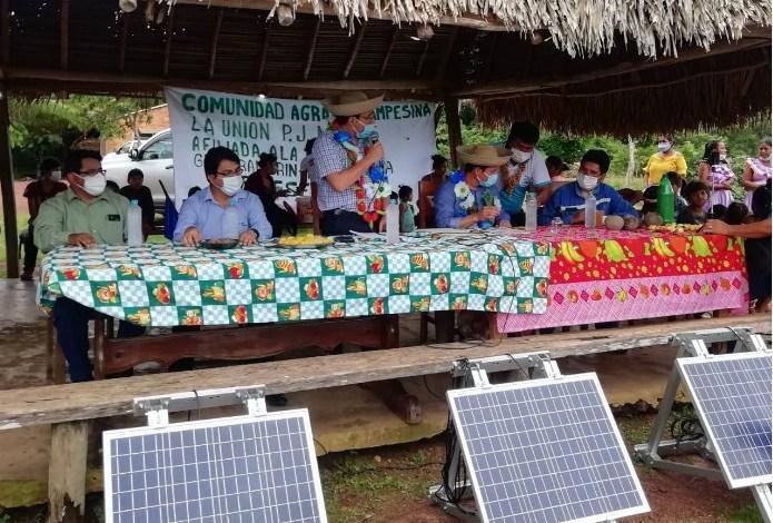 Photo of Entregan sistemas fotovoltaicos en 15 comunidades de Guayaramerín