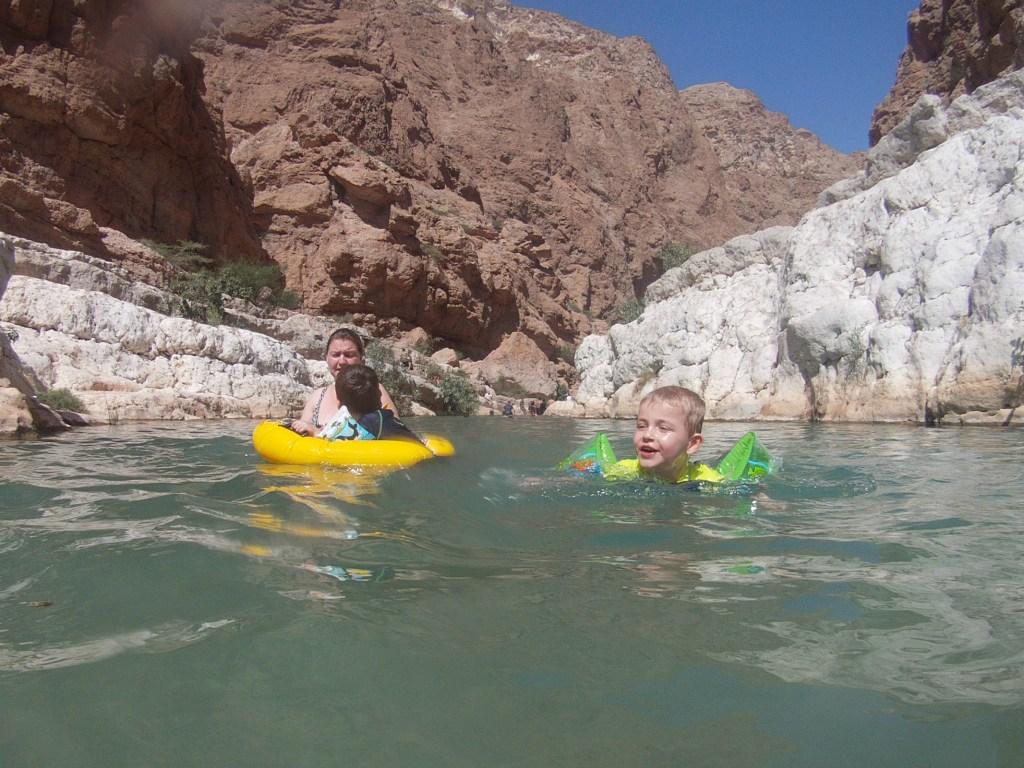 Badning i Wadi Shab i Oman