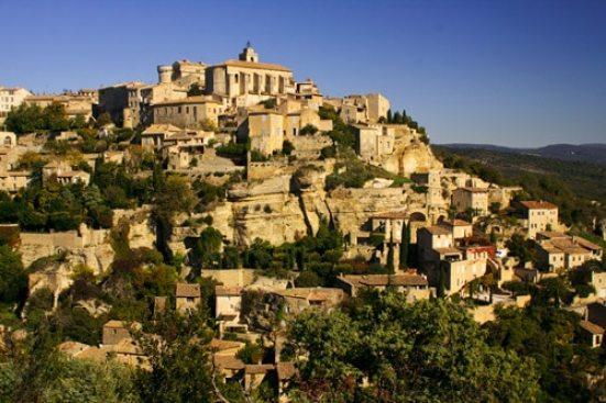 village-perché-Gordes-Lubéron-vacances-en-famille