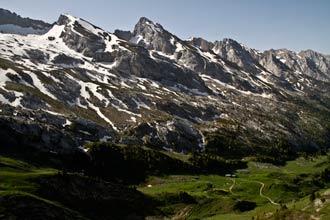 Aravis-alpes-escapade-topo-enfant-randonnée-famille-guide-balade
