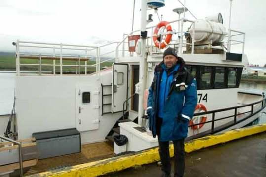 bateau-de-pêche-en-islande-pour-découvrir-baleine-avec-les-enfants